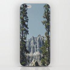 Peeping Mountain  iPhone & iPod Skin