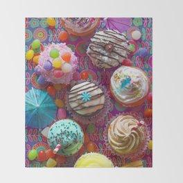 Cupcake du Jour Throw Blanket