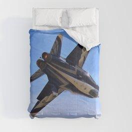 Close Up Hornet Comforters
