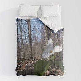 Trillium Fighting Spring Comforters