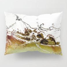 Water drops on apple Pillow Sham