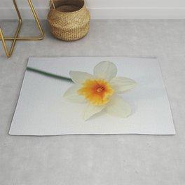 White and Yellow Daffodil Rug