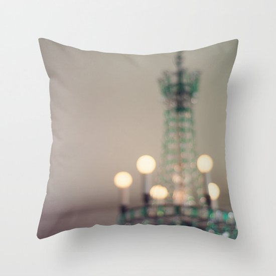 calmer la lumière Throw Pillow