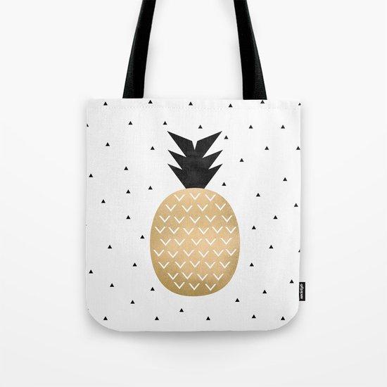 Pineapple by elisabethfredriksson