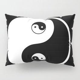 Ying yang the symbol of harmony and balance- good and evil Pillow Sham