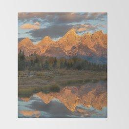 Sunrise On The Snake River Throw Blanket