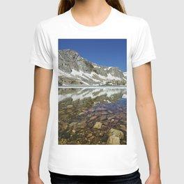 View of Lake Marie in Wyomings Snowy Range between Saratoga and Laramie T-shirt