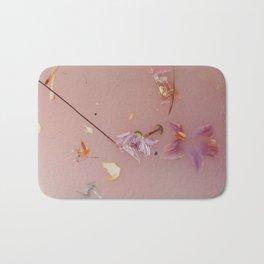 Harry Styles - pink flowers album Bath Mat