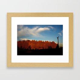 """""""Con las últimas horas de luz"""" Framed Art Print"""