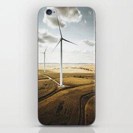 windturbine in nebraska iPhone Skin