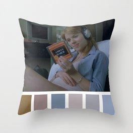 A soul's search Throw Pillow