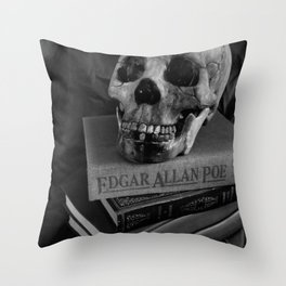 Read Horror! Throw Pillow