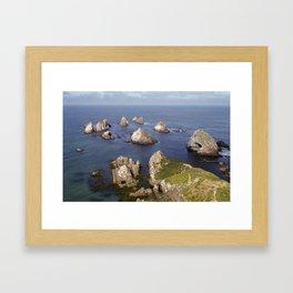 //05-12 NUGGET POINT Framed Art Print