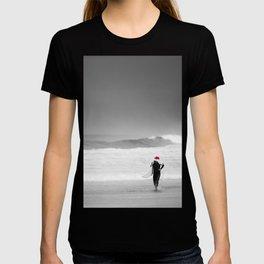 surf santa - shore walk T-shirt