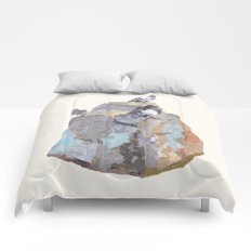 The Pigeon on a Rock Comforters
