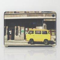 yellow submarine iPad Cases featuring Yellow submarine by monicamarcov