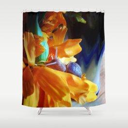 Flor de cempasúchil Shower Curtain