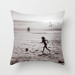 Foot on the beach Throw Pillow