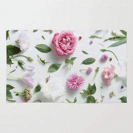Beautiful Flower Layout Rug