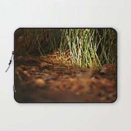 Macro close up forest life spying Laptop Sleeve