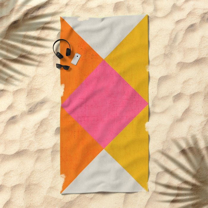 summer triangles Beach Towel
