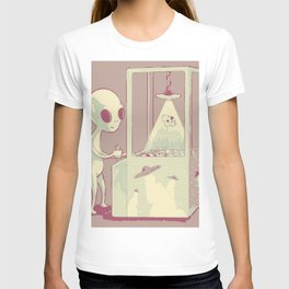 Alien playing arcade game of pick up a cow with flying saucer T-shirt