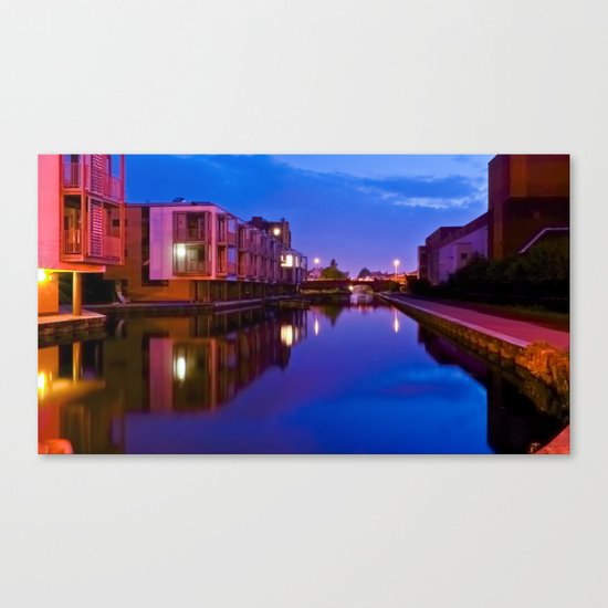 The swans silenced Canvas Print