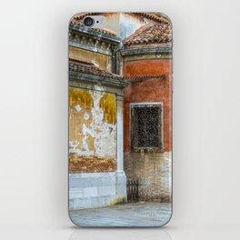 Venezia- Close up on a building iPhone Skin
