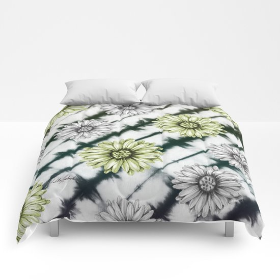 Green Daisies Smile Comforters
