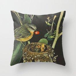 Birdie likes Throw Pillow