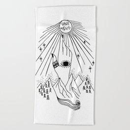 Luna Nueva Beach Towel