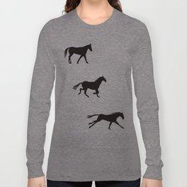 a horse runs Long Sleeve T-shirt