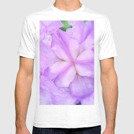 513 - Abstract Flower Design T-shirt