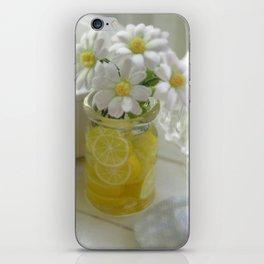 Miniature Daisy love iPhone Skin
