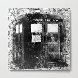 TARDIS (BLACK & WHITE VERSION) Metal Print