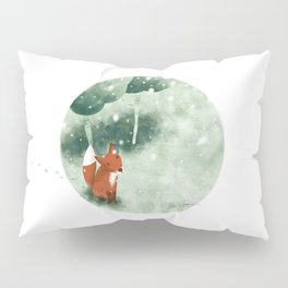 Fox in the snow Pillow Sham