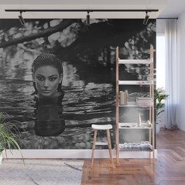 Dona D'aigua - Invincible - Water blackbirds Wall Mural