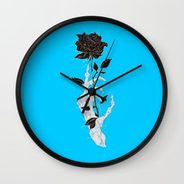 Rosa negra fondo azul celeste mano esqueleto Wall Clock