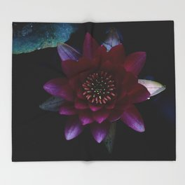 Water Lilly Throw Blanket