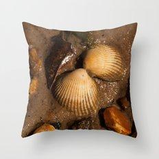 Mirrored shells Throw Pillow
