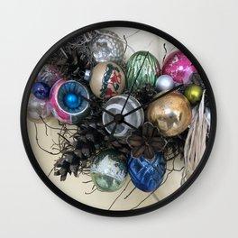Vintage Ornament Wreath Wall Clock