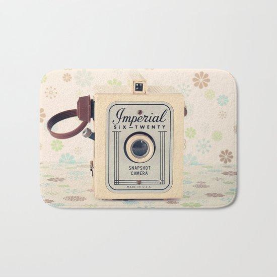 Retro Film Camera on Beige - Cream Pattern Background  Bath Mat