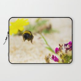 the flight of bumble bee on the bunes Laptop Sleeve