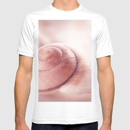 Snail shell, red Emotion T-shirt