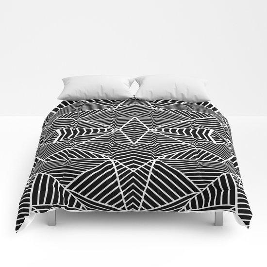 Ab Zoom Mirror Black Comforters