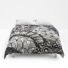 Black and white designe 6 Comforters