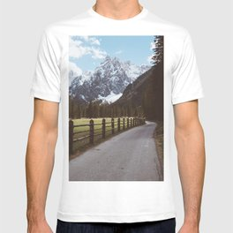 Let's hike together - Landscape and Nature Photography T-shirt