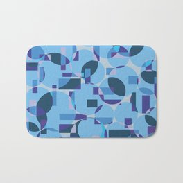 Single pattern of overlapping shapes Bath Mat