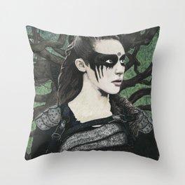 Heda Leksa Kom Trigedakru Throw Pillow