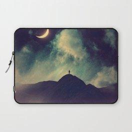 Walking on a dream Laptop Sleeve